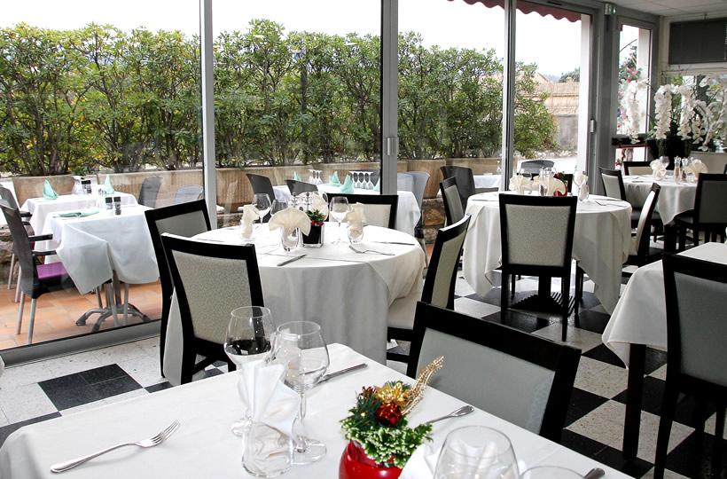 Restaurant Les Selves à Carros - Salle
